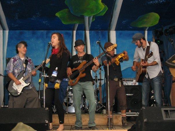 Sunday Jam at Robson Valley 2009.